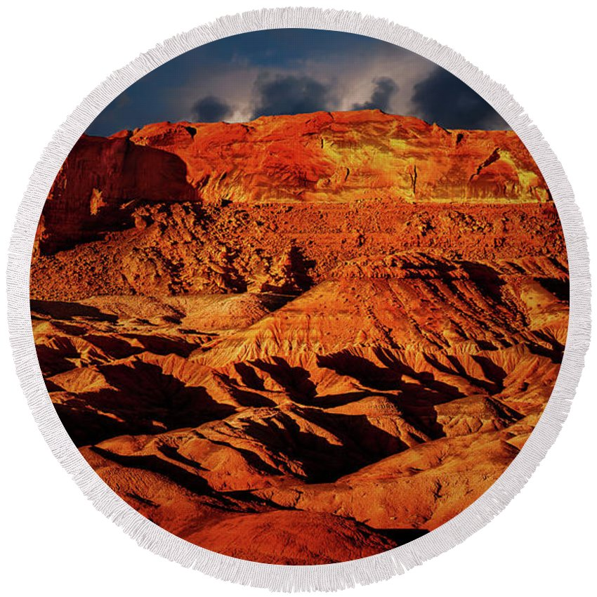 Arizona Round Beach Towel featuring the photograph Arizona Mesa 5 by Mike Penney