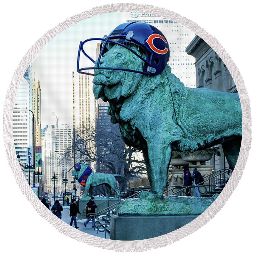 Chicago Round Beach Towel featuring the photograph Art Institute Of Chicago Lions by Anthony Doudt