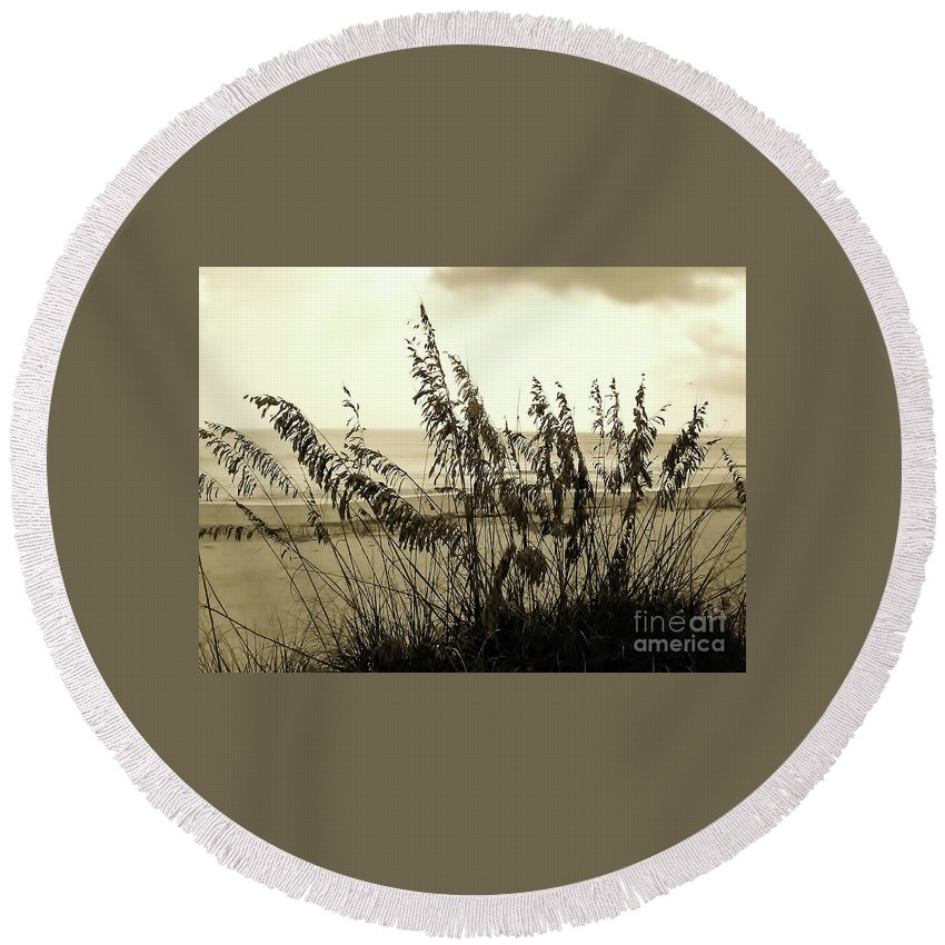 Sepia Round Beach Towel featuring the photograph Artistic - Sea - Oats by D Hackett