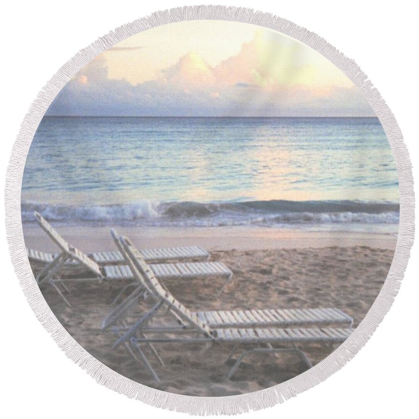 Aruba Round Beach Towel featuring the photograph Aruba Beach by Ian MacDonald