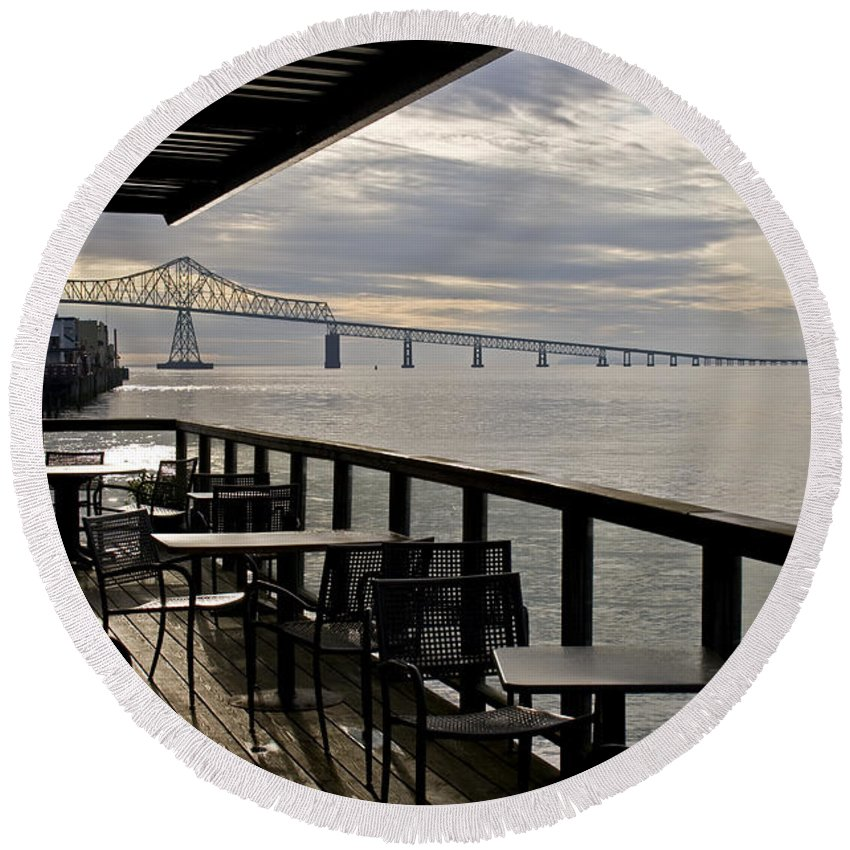 Scenic Round Beach Towel featuring the photograph Astoria by Lee Santa