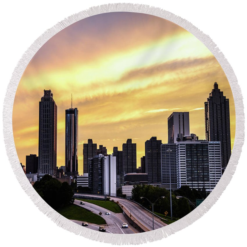 Atlanta Round Beach Towel featuring the photograph A Summer Night In Atlanta by Kennard Reeves
