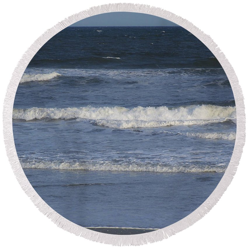 Atlantic Round Beach Towel featuring the photograph Atlantic Ocean Gradient by Teresa Mucha