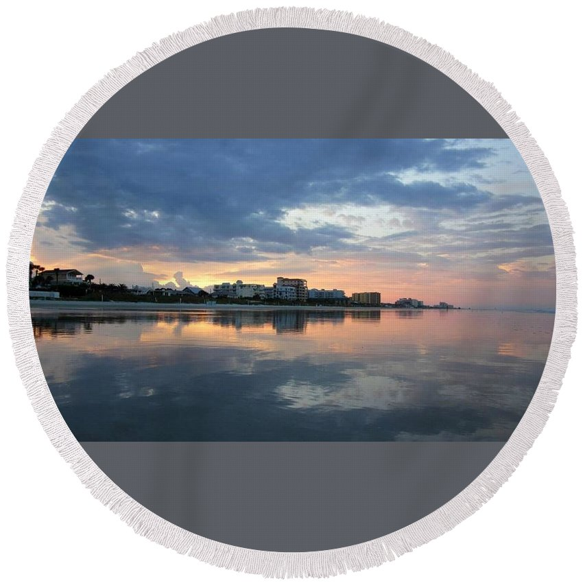 Ocean Round Beach Towel featuring the photograph Atlantic Sunset by Pattie Frost
