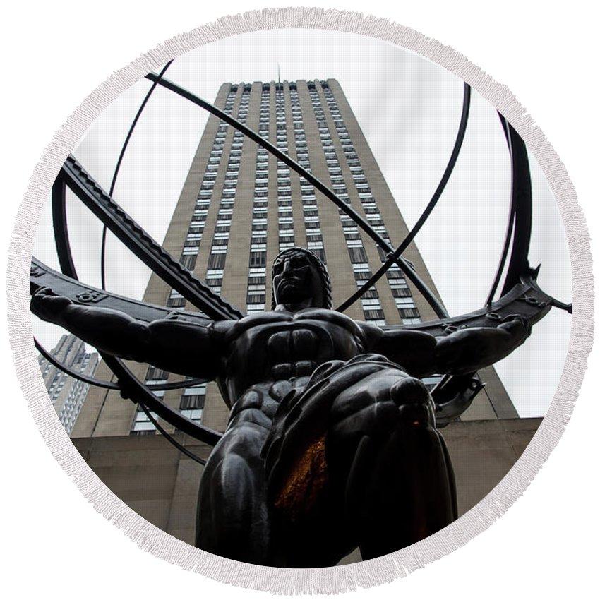 Sculpture Round Beach Towel featuring the photograph Atlas New York City by Don Gronczewski