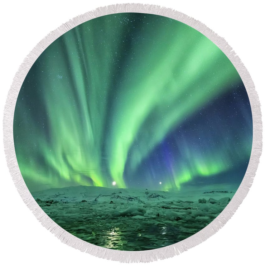 Iceland. Northern Lights Round Beach Towel featuring the photograph Aurora At Glacier Lagoon by Bragi Kort