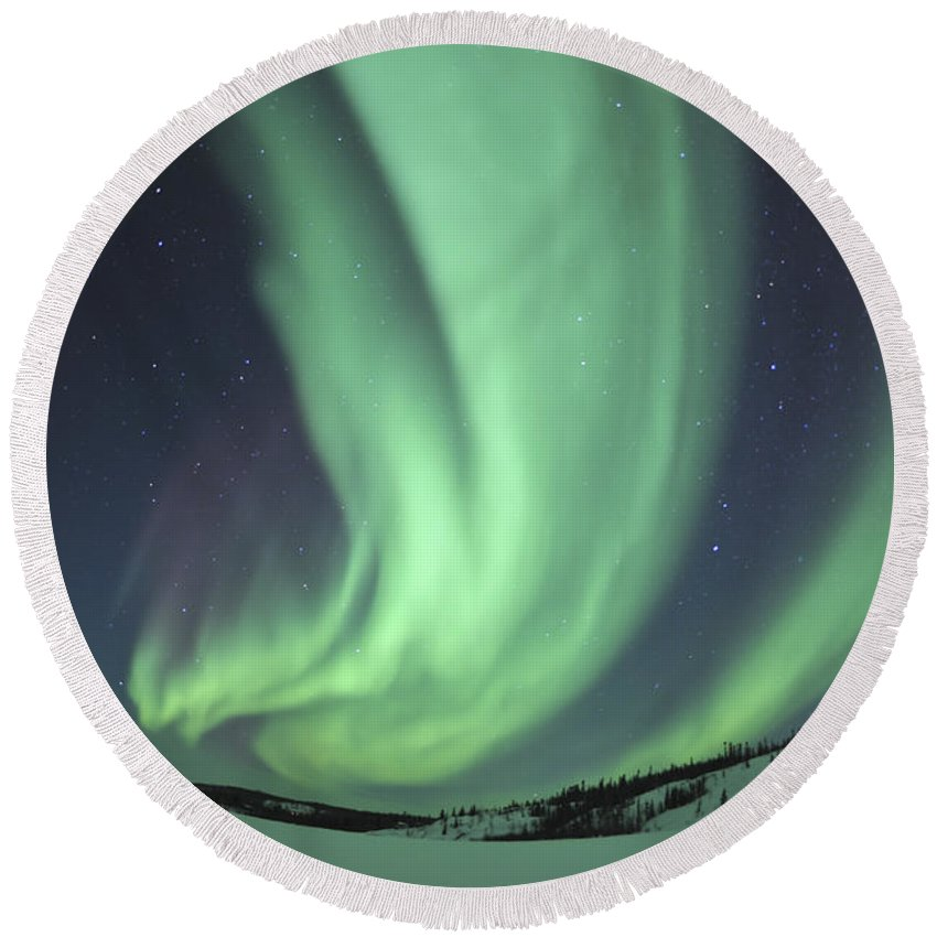 Yellowknife Round Beach Towel featuring the photograph Aurora Borealis Over Prosperous Lake by Jiri Hermann