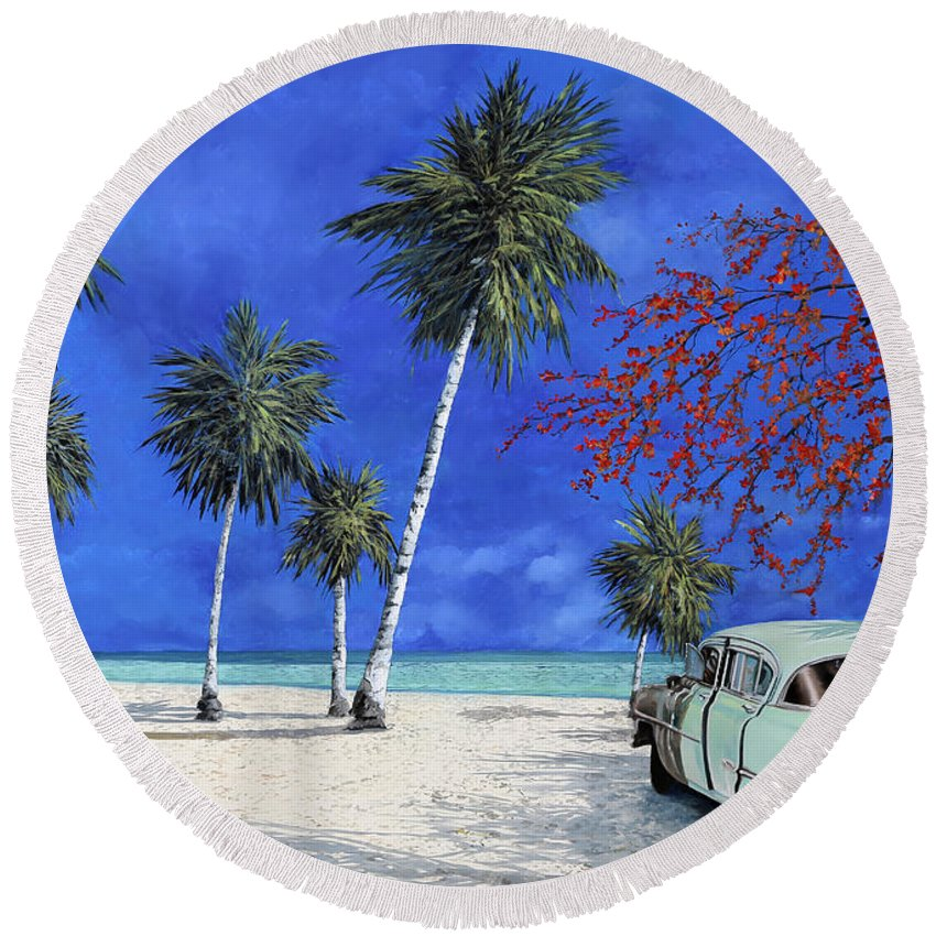 Seacsape Round Beach Towel featuring the painting Auto Sulla Spiaggia by Guido Borelli