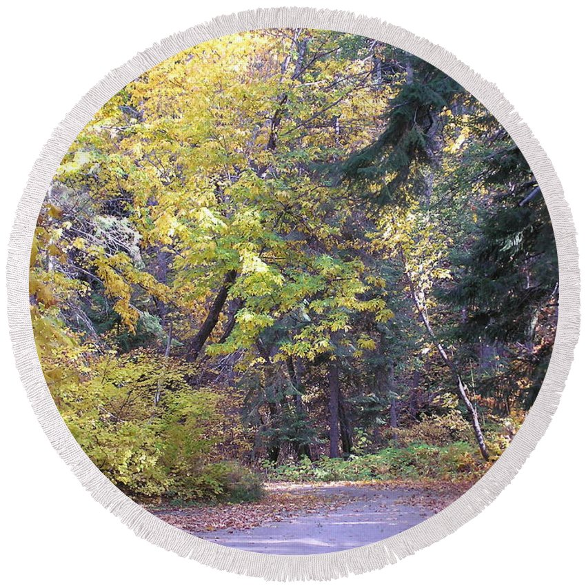 Autumn Photographs Round Beach Towel featuring the photograph Autum Colors by Louise Magno