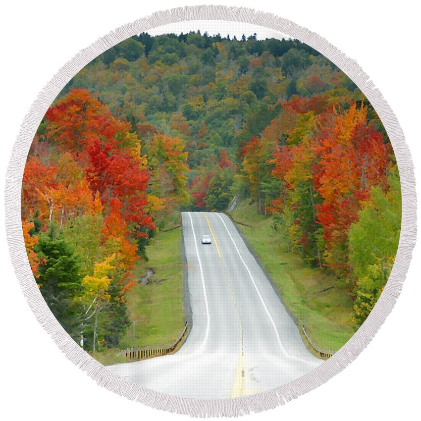 Autumn Round Beach Towel featuring the photograph Autumn Drive by David Lee Thompson