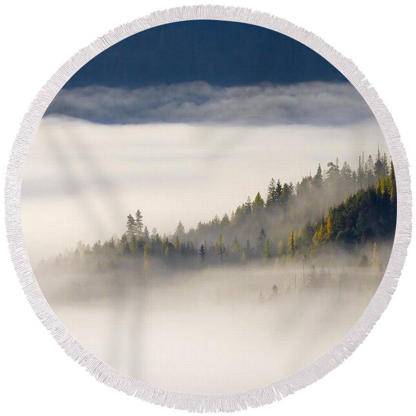 Fog Round Beach Towel featuring the photograph Autumn Morn by Mike Dawson