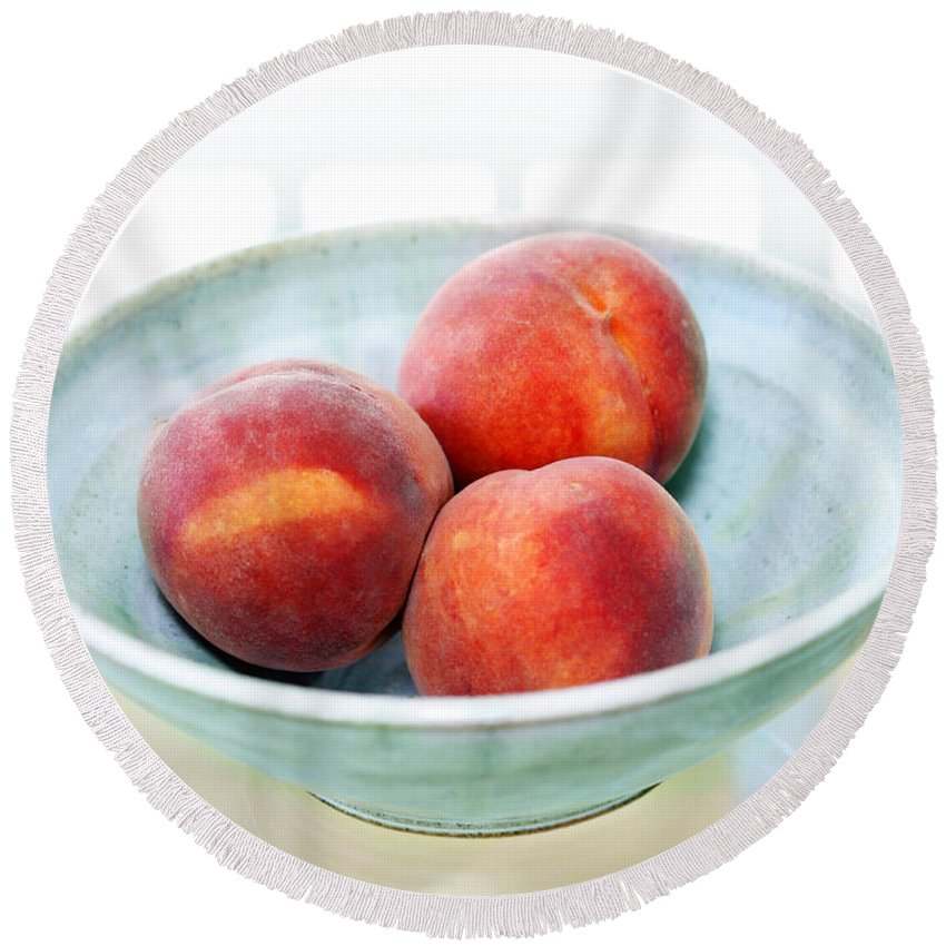 Peaches Round Beach Towel featuring the photograph Autumn Peaches by Marilyn Hunt