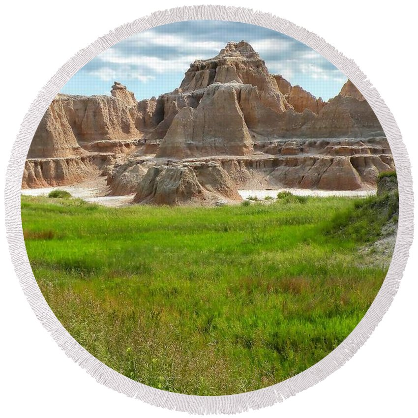 Badlands Round Beach Towel featuring the photograph Badlands 11 by Ingrid Smith-Johnsen