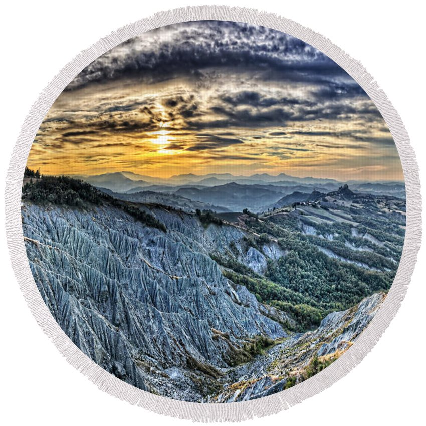 Badlands Round Beach Towel featuring the photograph Badlands 6 by Ingrid Smith-Johnsen