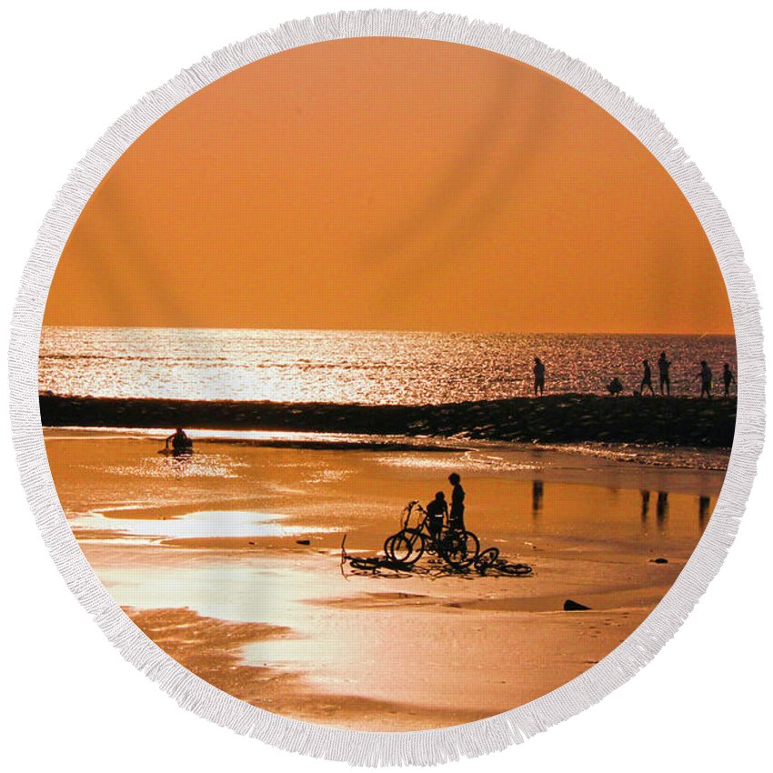 Bali Round Beach Towel featuring the photograph Bali, Sunset by Chantelle Flores
