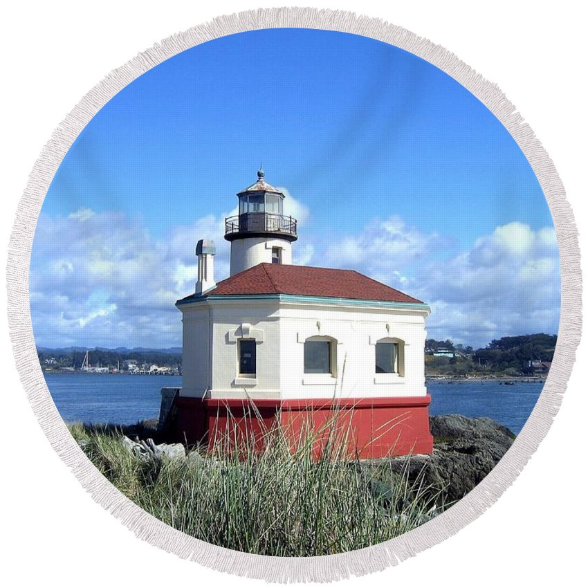 Coquille Lighthouse Round Beach Towel featuring the photograph Bandon 1 by Will Borden