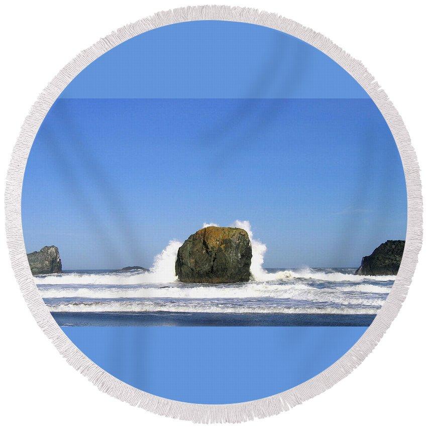 Bandon Round Beach Towel featuring the photograph Bandon 14 by Will Borden