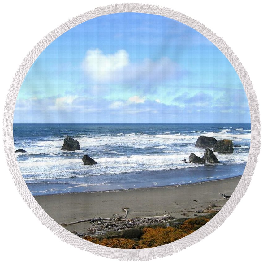Bandon Round Beach Towel featuring the photograph Bandon 16 by Will Borden