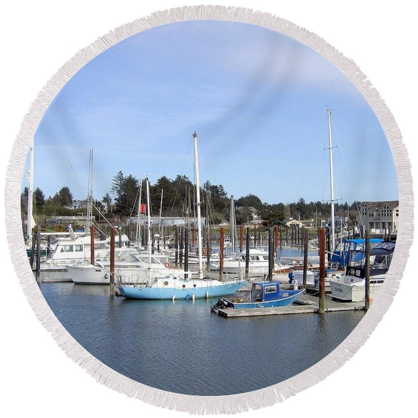 Bandon Round Beach Towel featuring the photograph Bandon 19 by Will Borden