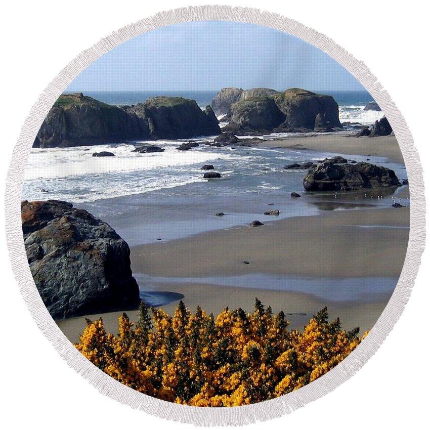 Bandon Round Beach Towel featuring the photograph Bandon 23 by Will Borden