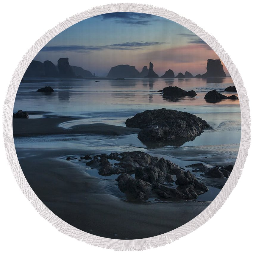Oregon Round Beach Towel featuring the photograph Bandon Beach Sunset by Mark Kiver