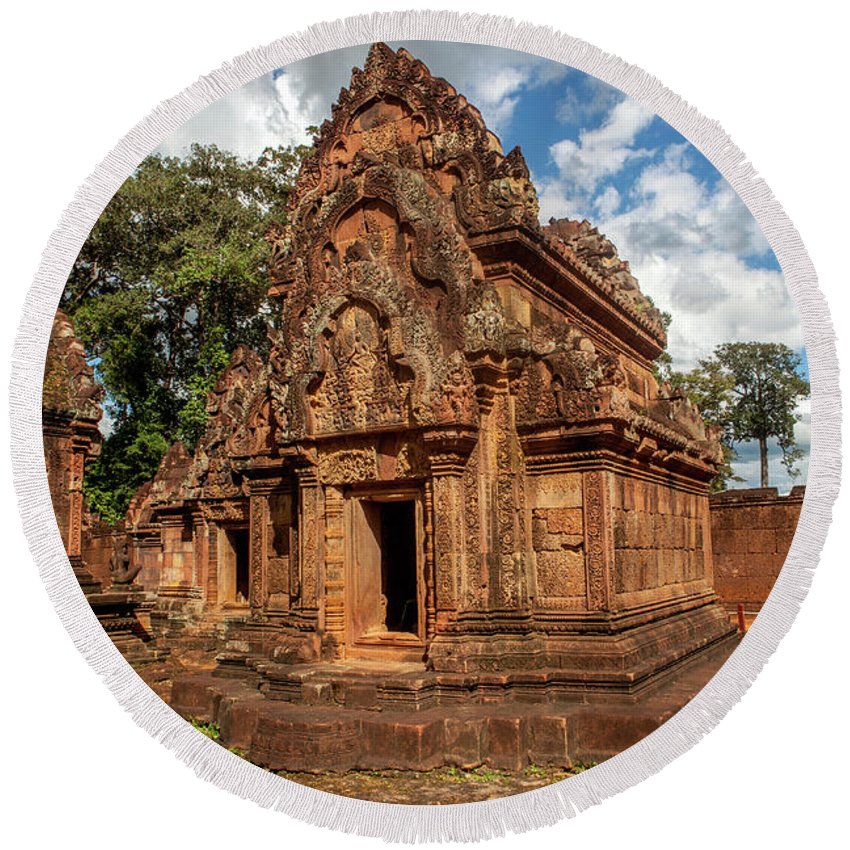 Mandapa Library Towers Sanctuary Corbelled Brick Roof Red Sandstone Cambodia Round Beach Towel featuring the photograph Banteay Srei Mandapa Sanctuary - Cambodia by Art Phaneuf