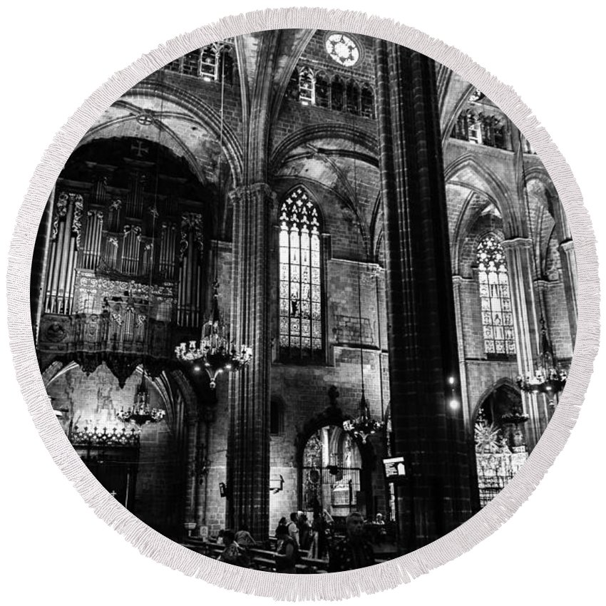 Barcelona Round Beach Towel featuring the photograph Barcelona Cathedral Interior Bw by RicardMN Photography