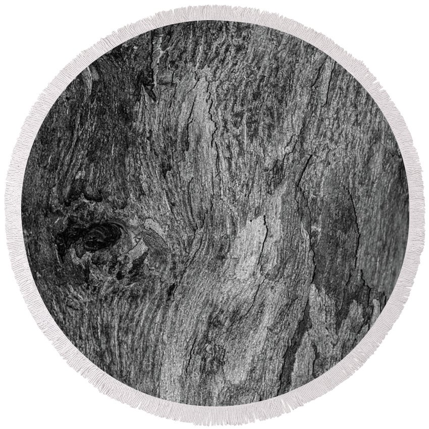 Bark Round Beach Towel featuring the photograph Bark At The Moon by Evil Shadows