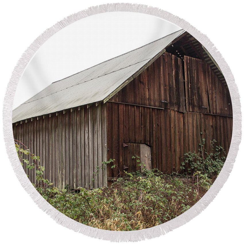 Barn Round Beach Towel featuring the photograph Barn 2018_1_28-11-edit- by Roger Patterson