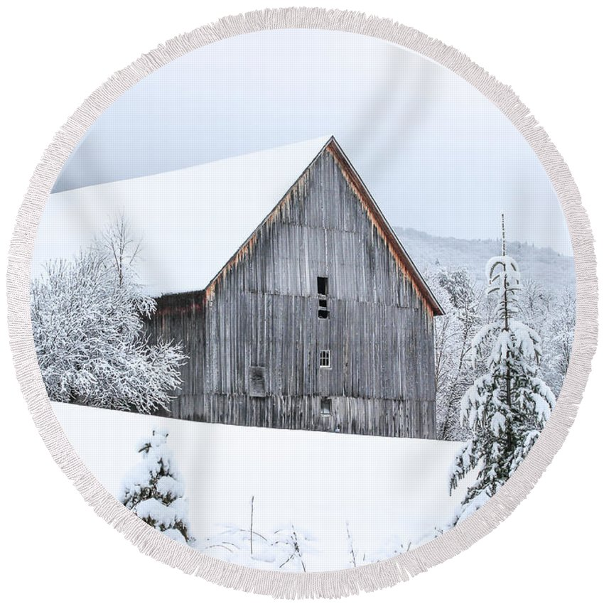 Barn Round Beach Towel featuring the photograph Barn After Snow by Tim Kirchoff