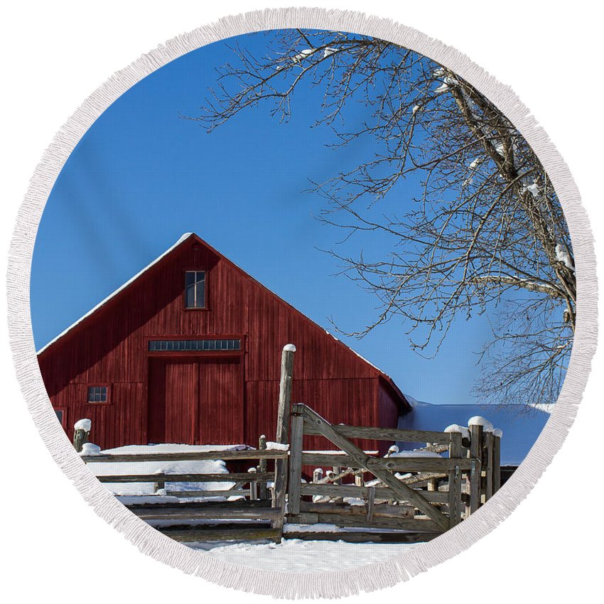 Vermont Round Beach Towel featuring the photograph Barn And Blue Sky by Tim Kirchoff