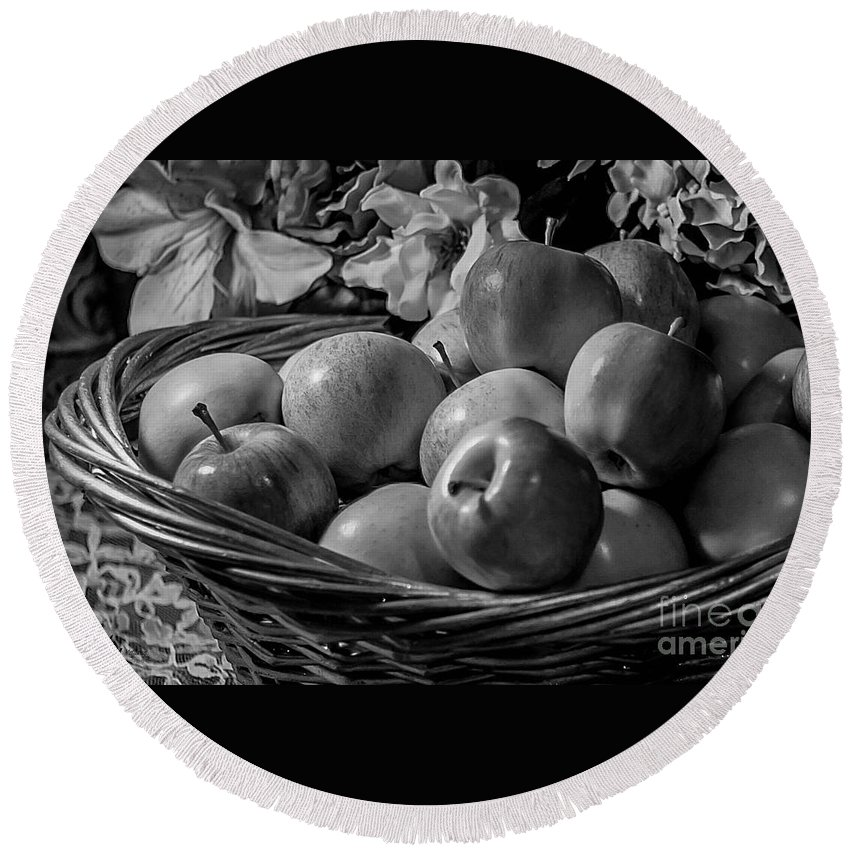 Basket Of Apples Round Beach Towel featuring the photograph Basket Of Apples Bw by Mechala Matthews
