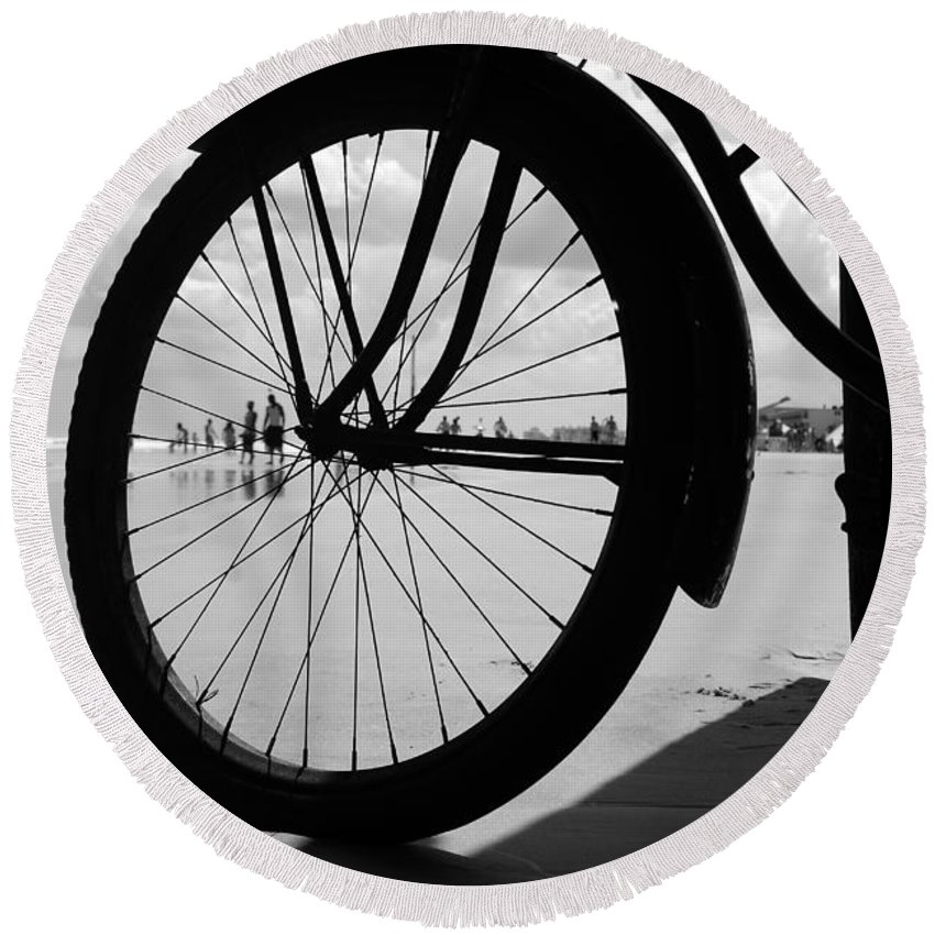 Beach Round Beach Towel featuring the photograph Beach Bicycle by David Lee Thompson