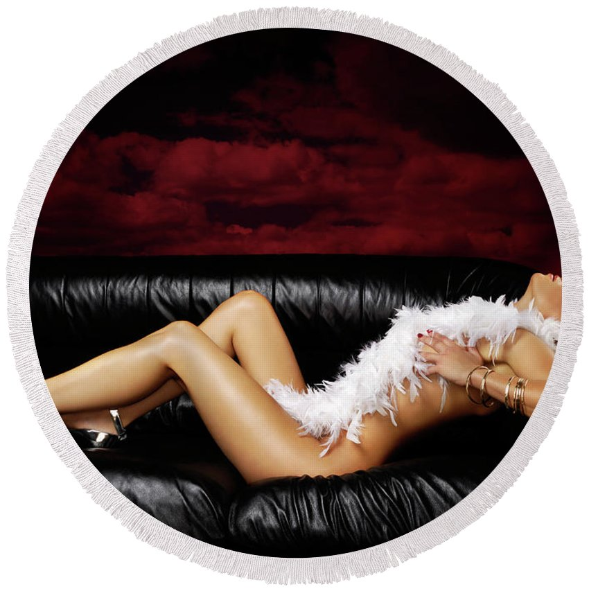 Beauty Round Beach Towel featuring the photograph Beautiful Naked Woman On A Couch by Maxim Images Prints
