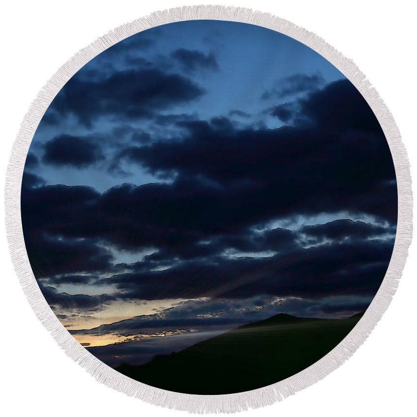 Ray Round Beach Towel featuring the digital art Beauty Of Another Dawn by Dan Stone