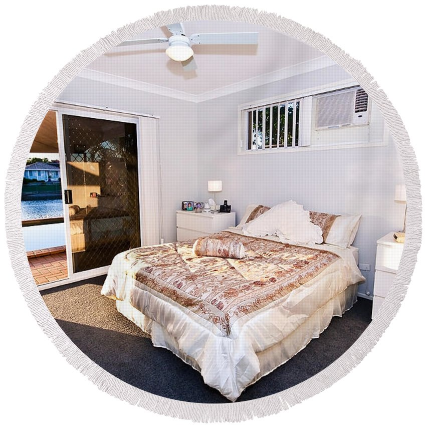 Bed Round Beach Towel featuring the photograph Bedroom With River View by Darren Burton