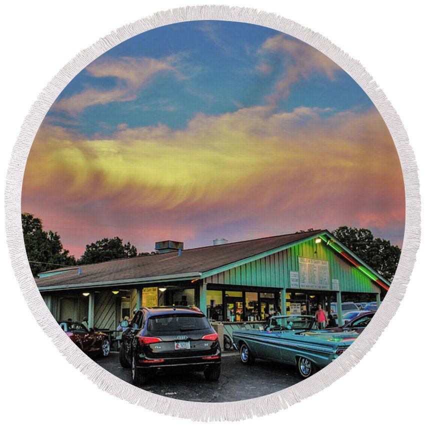 Food Round Beach Towel featuring the photograph Belew's Dairy Bar by Chad Fuller