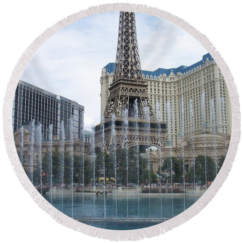 Bellagio Fountain Round Beach Towel featuring the photograph Bellagio Fountain 1 by Anita Burgermeister