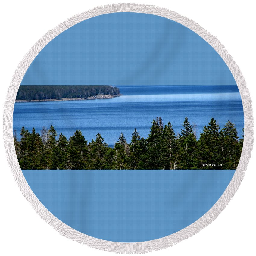 Patzer Round Beach Towel featuring the photograph Bend In Columbia by Greg Patzer