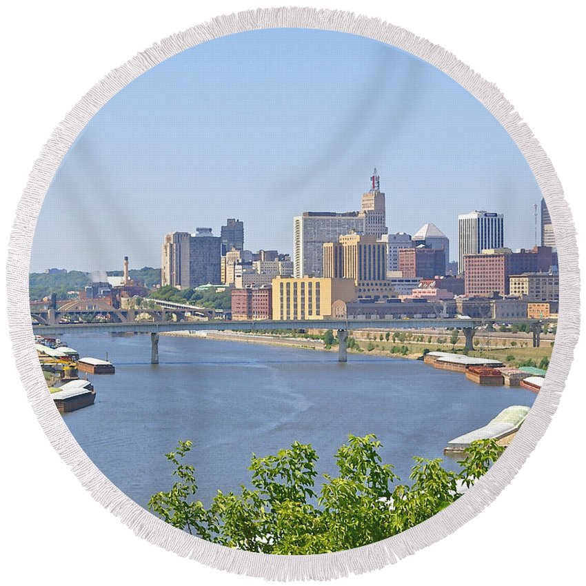 St Paul Round Beach Towel featuring the photograph Bend In The River by Tom Reynen