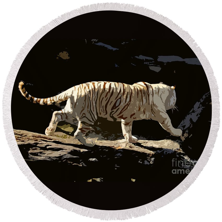 Bengal Tiger Round Beach Towel featuring the painting Bengal Tiger by David Lee Thompson