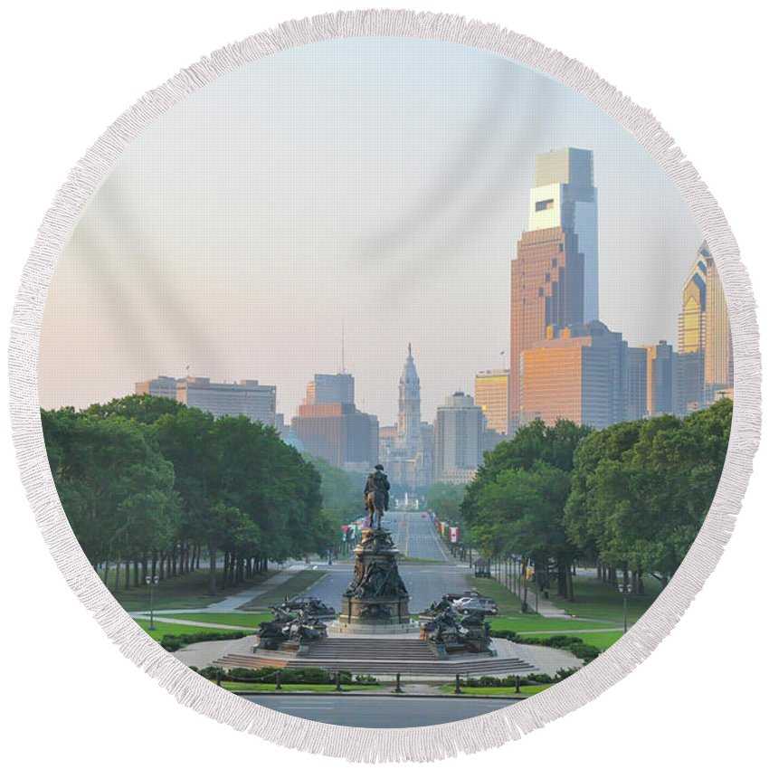 Benjamin Round Beach Towel featuring the photograph Benjamin Franklin Parkway - Philly by Bill Cannon