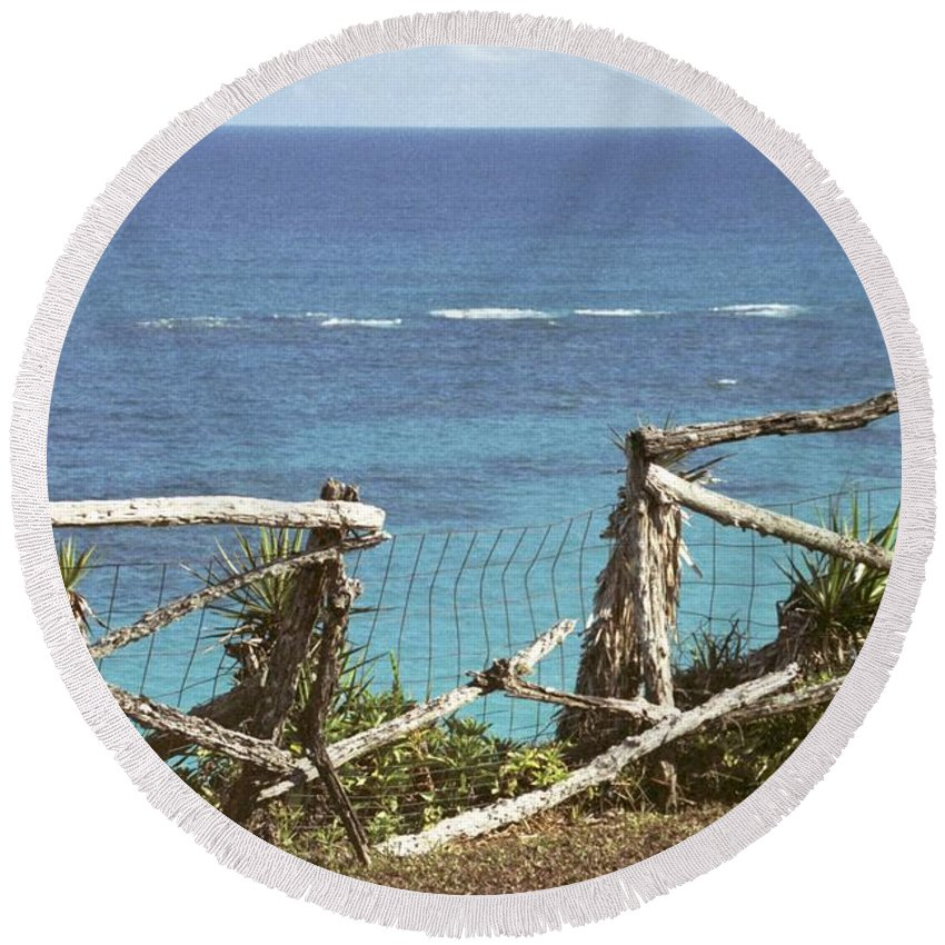 Bermuda Round Beach Towel featuring the photograph Bermuda Fence And Ocean Overlook by Heather Kirk