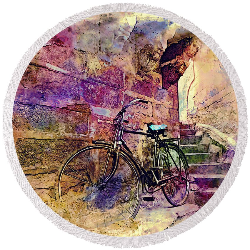 Bicycle Round Beach Towel featuring the photograph Bicycle Abandoned In India Rajasthan Blue City 1a by Sue Jacobi