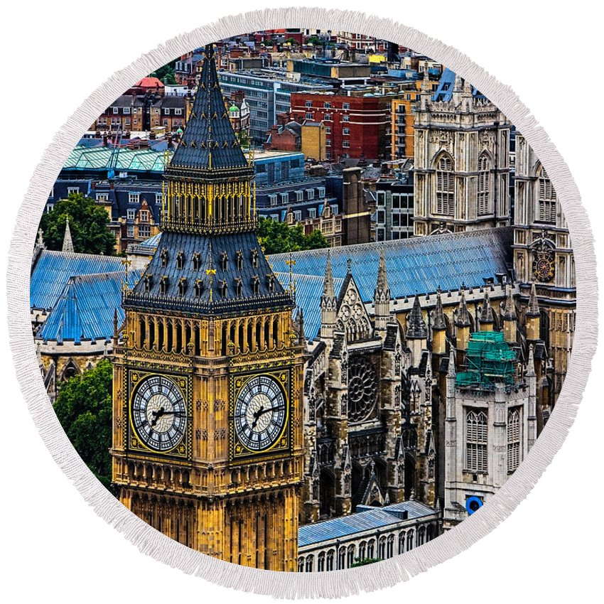 Big Ben Round Beach Towel featuring the photograph Big Ben And Westminster Abbey by Chris Lord