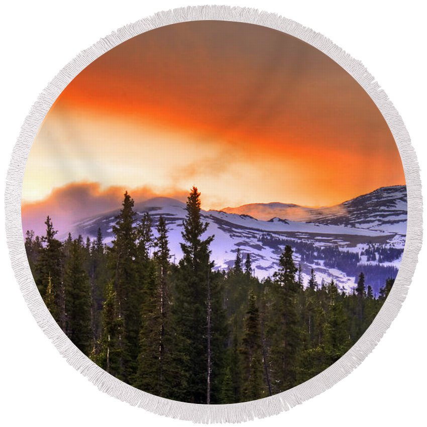 Wyoming Round Beach Towel featuring the photograph Big Horn Sunset by Scott Mahon