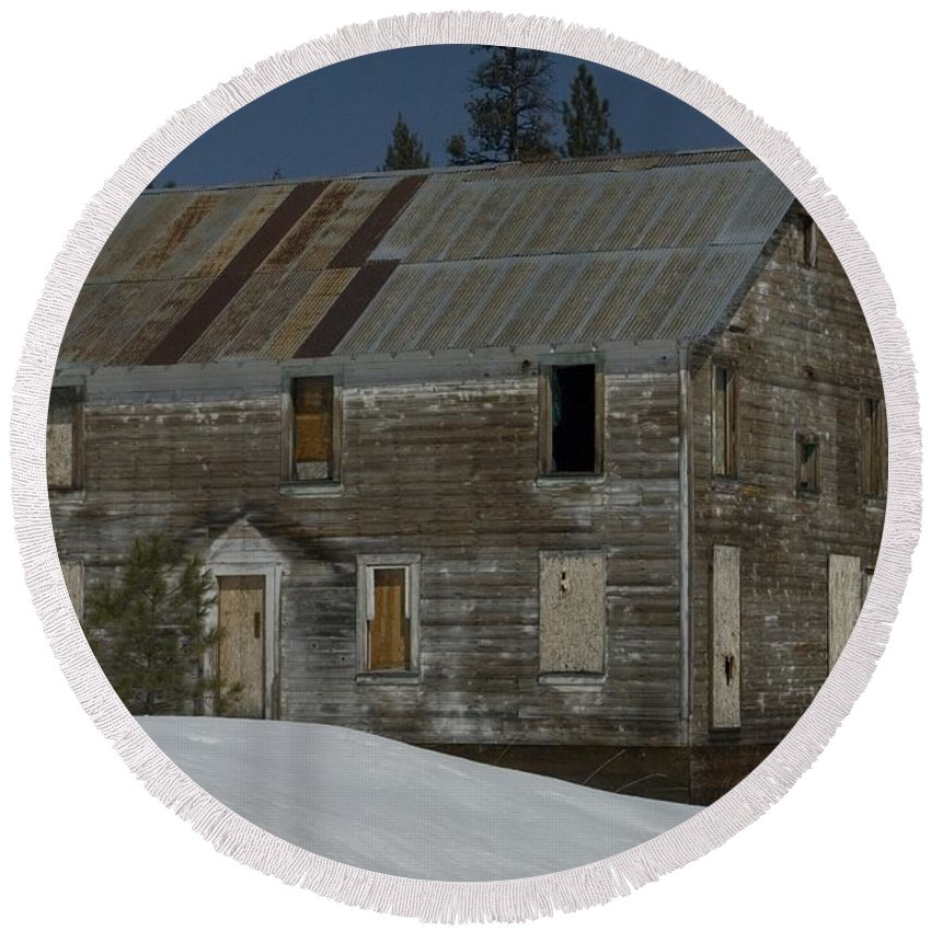 Old Round Beach Towel featuring the photograph Big Old House by Sara Stevenson