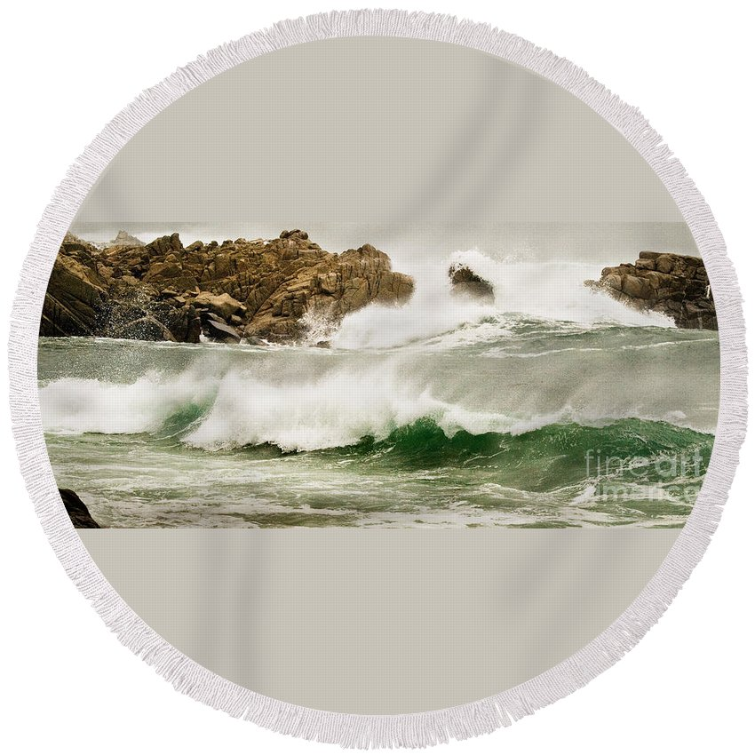California Coast Round Beach Towel featuring the photograph Big Waves Comin In by Norman Andrus
