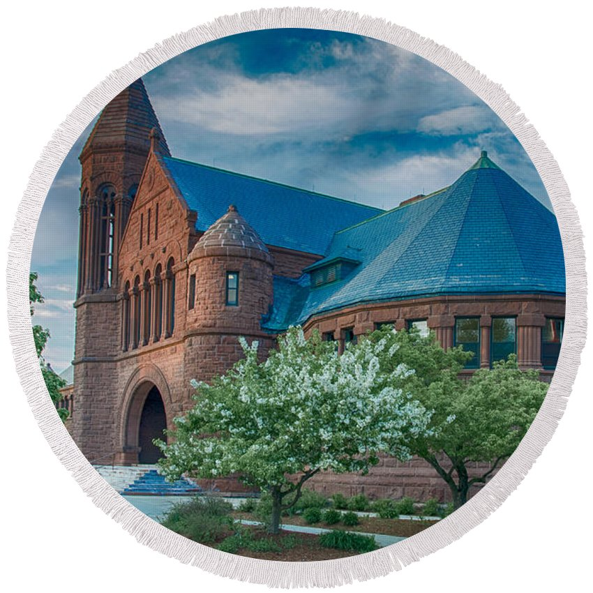 Billings Library Round Beach Towel featuring the photograph Billings Library At Uvm by Guy Whiteley