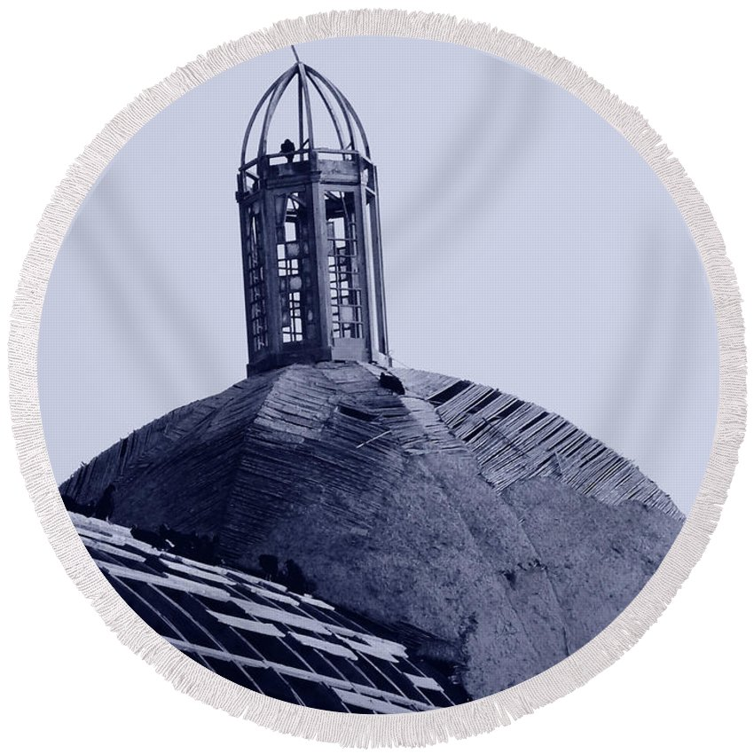 Birds Round Beach Towel featuring the photograph Birds On Church In Peru by Sonal Dave